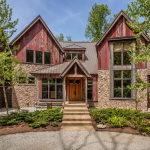 ThecharmingvillagehouseinIndianapolis,Indiana,USAisdisplayedforsalefor$.million