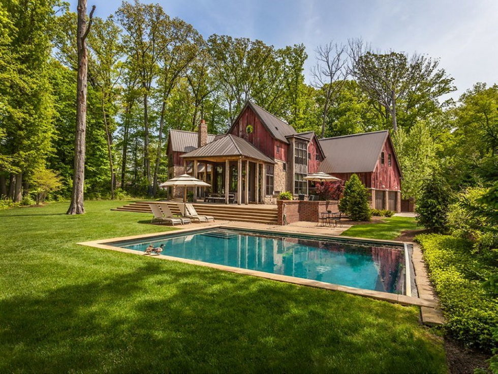 The charming village house in Indianapolis, Indiana, USA is displayed for sale for $ 2.5 million 28
