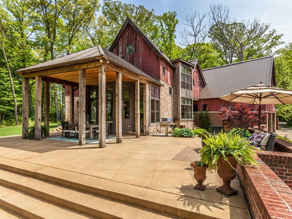 The charming village house in Indianapolis, Indiana, USA is displayed for sale for $ 2.5 million 31