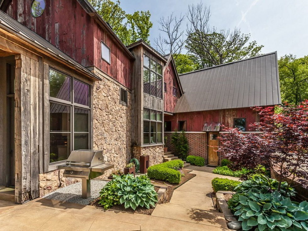 The charming village house in Indianapolis, Indiana, USA is displayed for sale for $ 2.5 million 33
