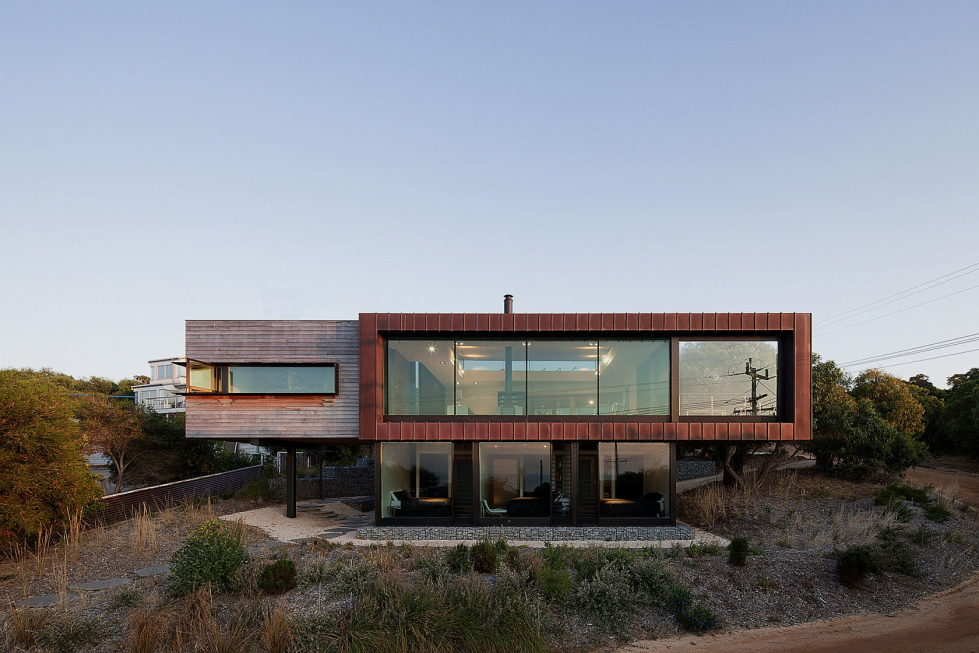 The country house Dame of Melba for resting at the ocean shore from Seeley Architects 1
