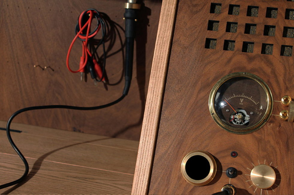 The desk Tempel for radio amateur by Love Hulten 10