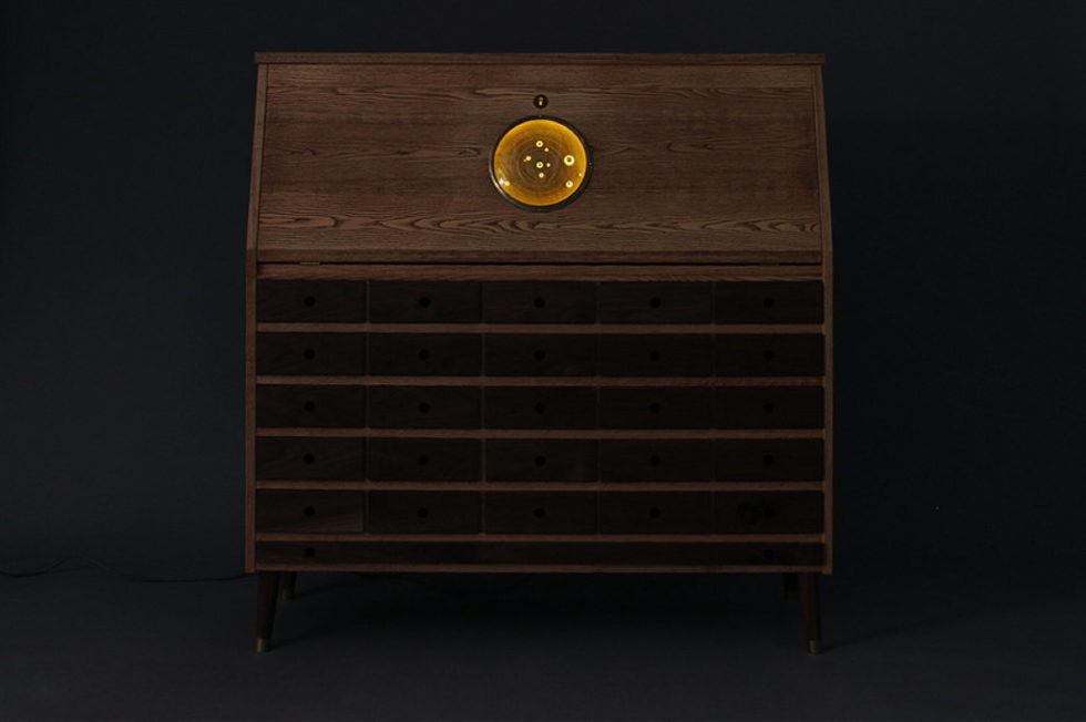 The desk Tempel for radio amateur by Love Hulten 3