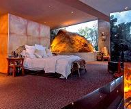 Theexcellentglasshousefor$.millioninMalibu,USA