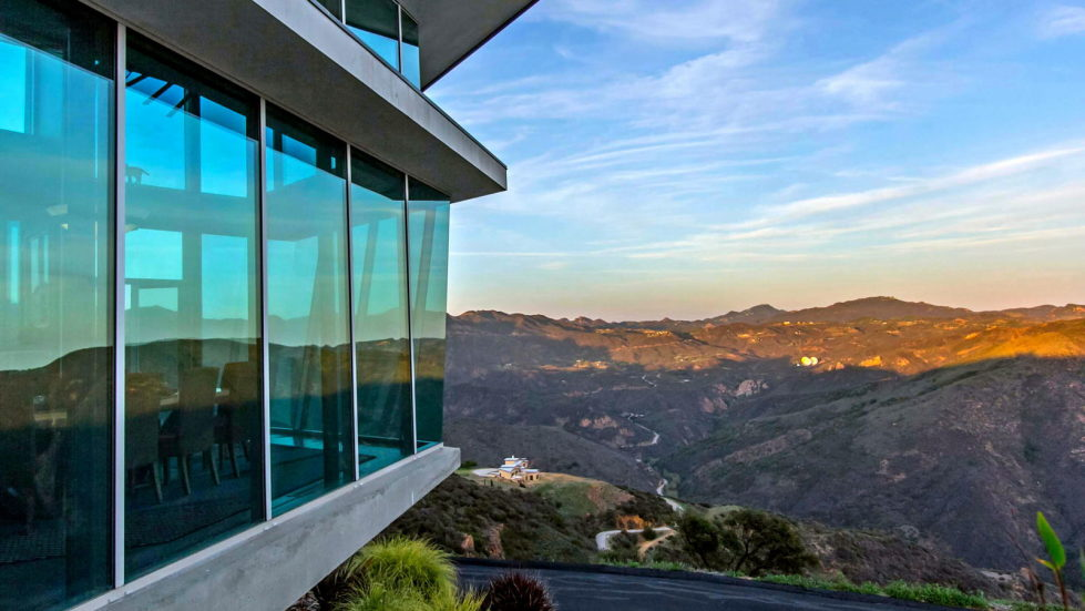 The excellent glass house for $ 14.9 million in Malibu, USA 28