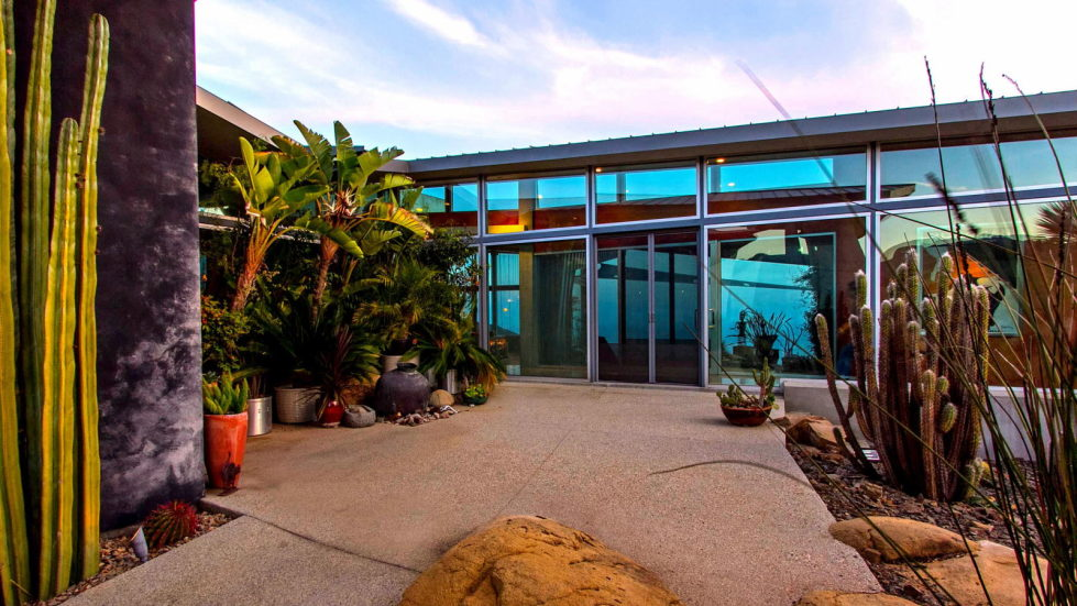 The excellent glass house for $ 14.9 million in Malibu, USA 3