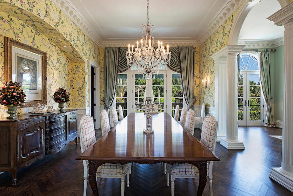 The luxury house for $ 8.3 million in Old Naples, USA 9