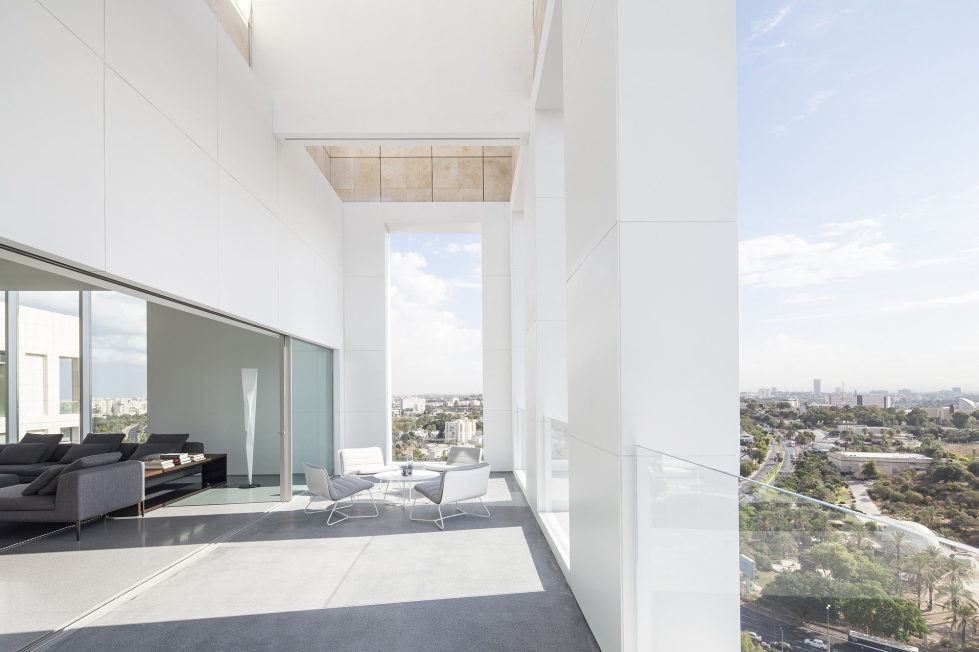 The penthouse from the Pitsou Kedem studio in Tel Aviv, Israel 1