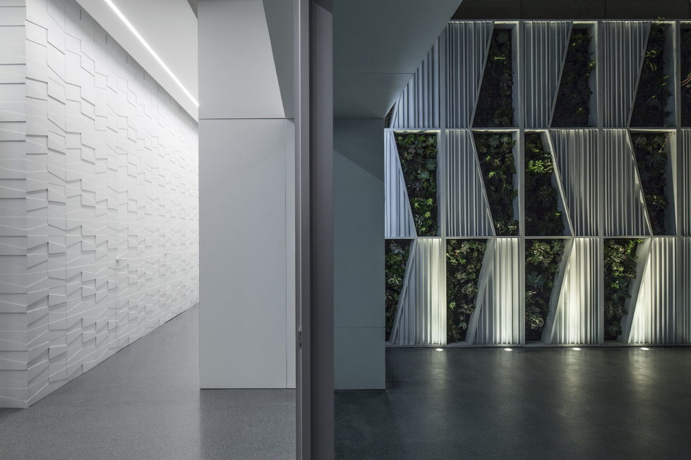 The penthouse from the Pitsou Kedem studio in Tel Aviv, Israel 10
