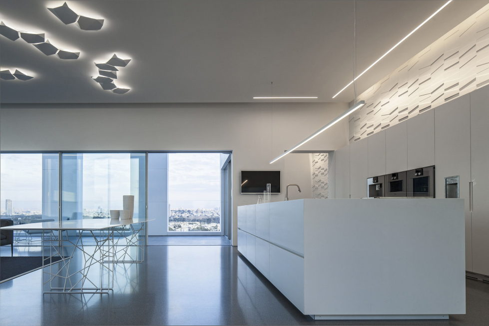 The penthouse from the Pitsou Kedem studio in Tel Aviv, Israel 11