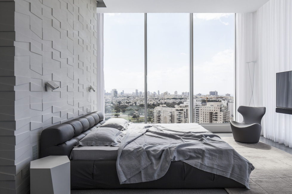 The penthouse from the Pitsou Kedem studio in Tel Aviv, Israel 22