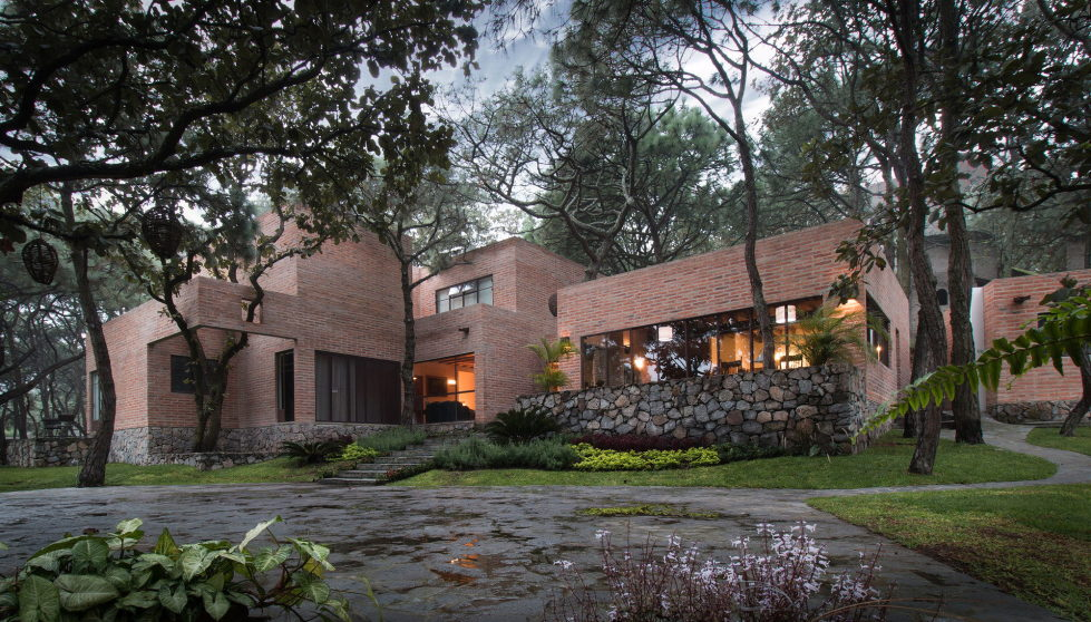 Two-Storeyed House Surounded By The Pictiresque Forest in Mexico From MO+G taller de arquitectura 1