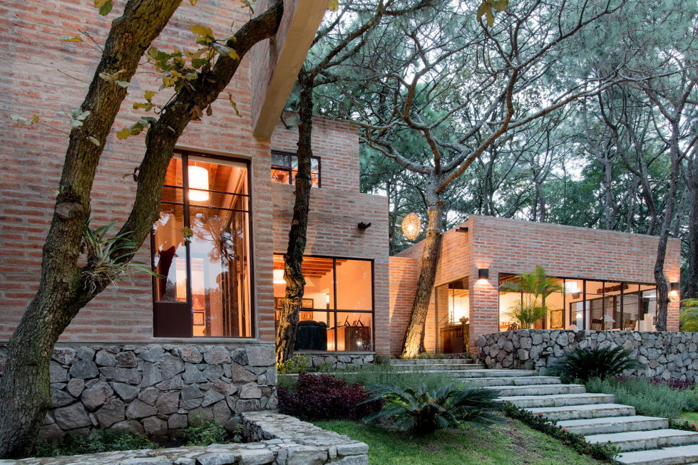 Two-Storeyed House Surounded By The Pictiresque Forest in Mexico From MO+G taller de arquitectura 10
