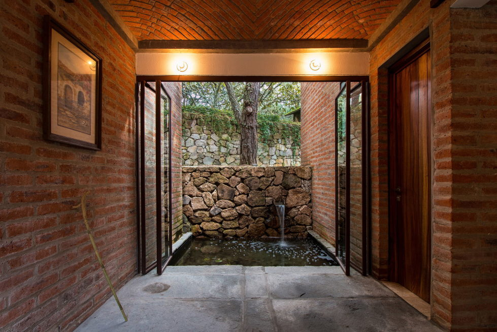 Two-Storeyed House Surounded By The Pictiresque Forest in Mexico From MO+G taller de arquitectura 21