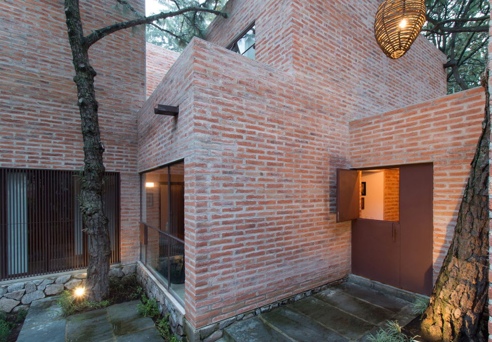 Two-Storeyed House Surounded By The Pictiresque Forest in Mexico From MO+G taller de arquitectura 5