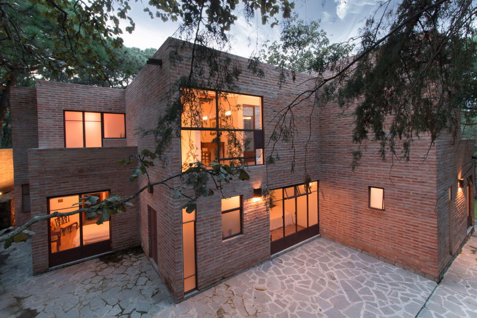 Two-Storeyed House Surounded By The Pictiresque Forest in Mexico From MO+G taller de arquitectura 9
