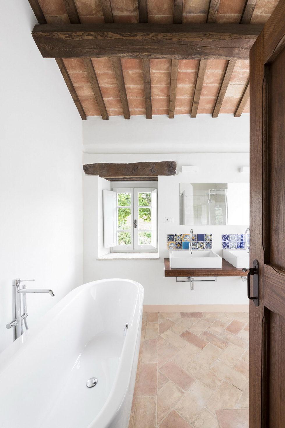 Villa Motelparo in Marche di Fermo from Roy David Studio 11