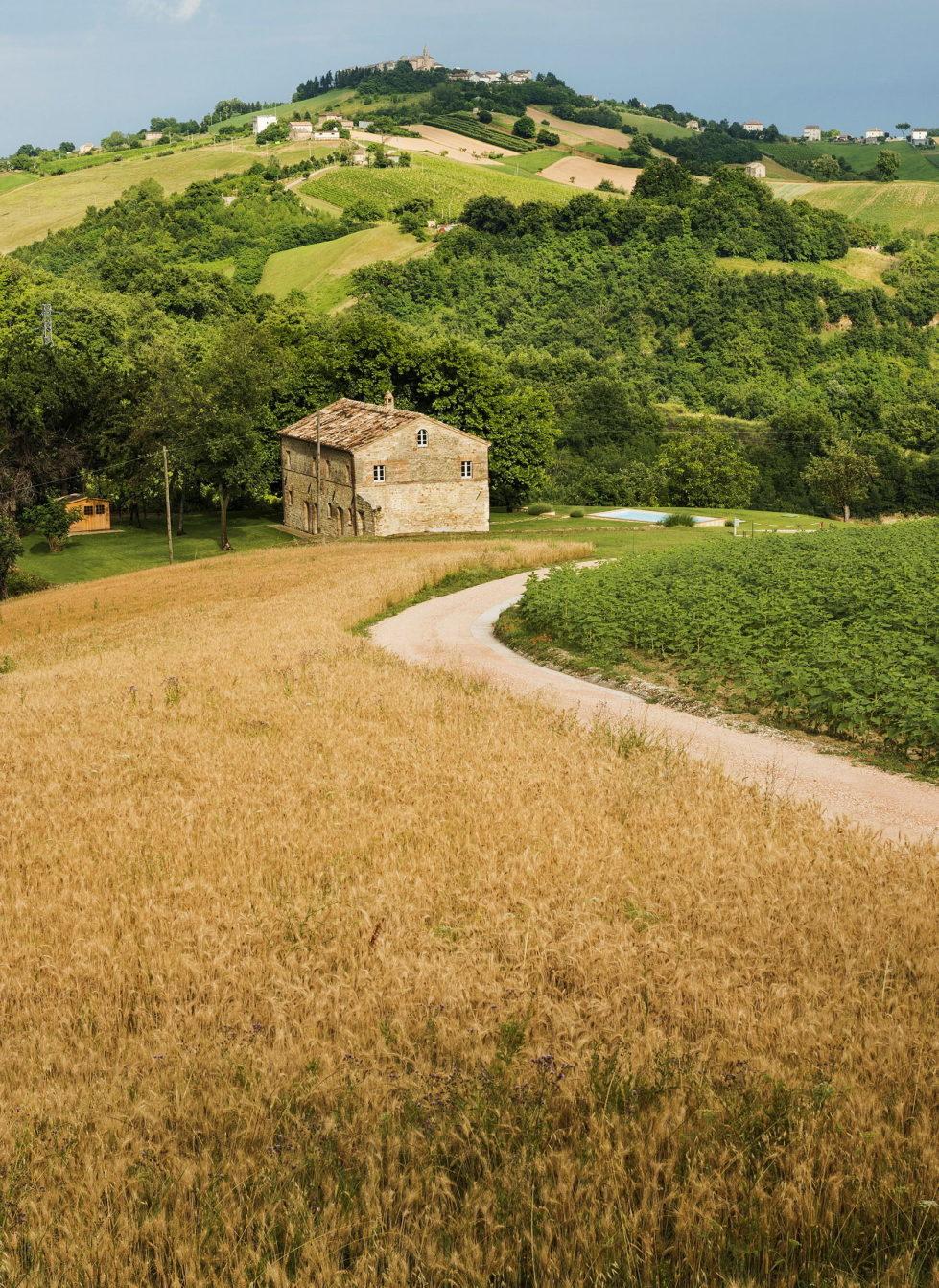 Villa Motelparo in Marche di Fermo from Roy David Studio 18