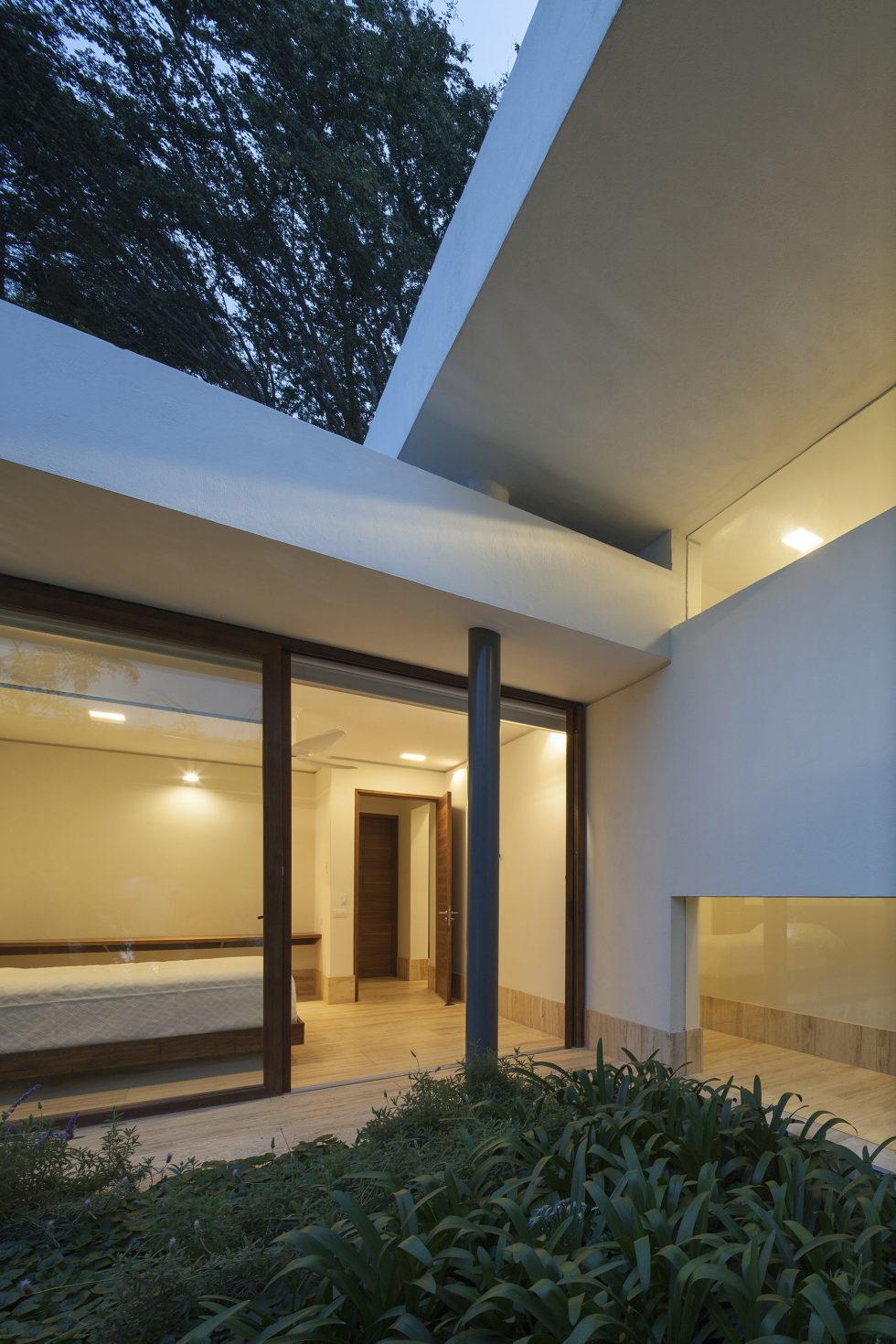 Casa Ocho Jardines Residency In Minimalism Style From Goko MX Studio 14