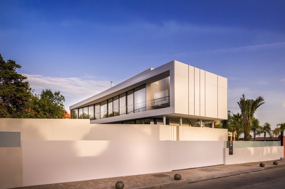 Cool Blue Villa In Spain Upon The Project Of 123DV Architect Company 1