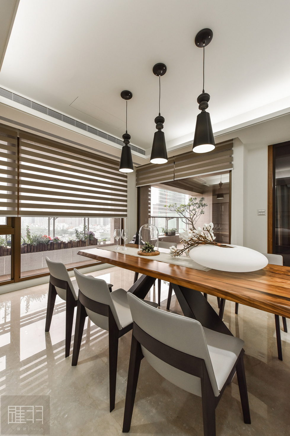 Interior Of The Apartment In Taiwan From Manson Hsiao, Hui-yu Interior Design Studio 15