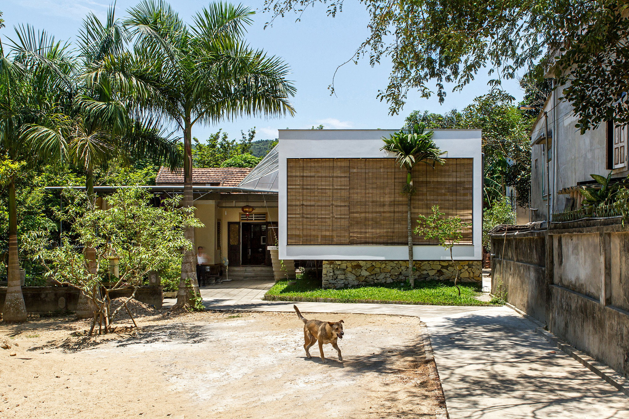 The Shelter Quot Extension Of The Rural House S Space In Vietnam