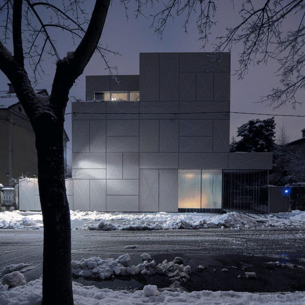 Villa Criss-Cross Envelope In Slovenia From OFIS Arhitekti 24