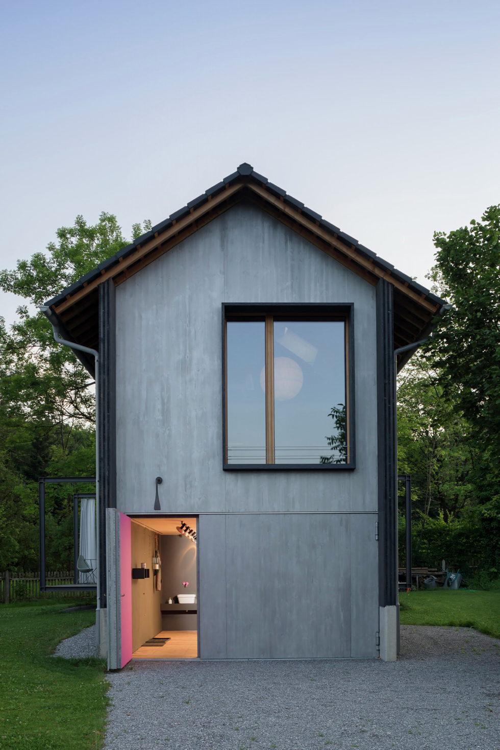 Wooden House At The Upper Bavaria From Arnhard und Eck Architekten Bureau 2