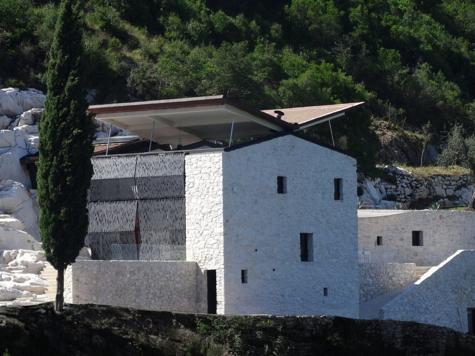 Casa Farfalla Villa In Tuscany Upon The Project Of Michel Boucquillon And Donia Maaoui 26
