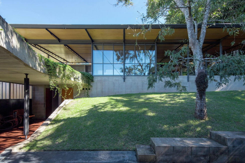Casa Santo Antonio Manor In The Wood Reserve In Brazil From H+F Arquitetos 4
