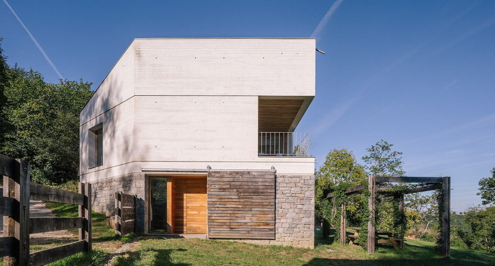 Casa Tmolo A Small Residency In Spain From PYO Arquitectos 1