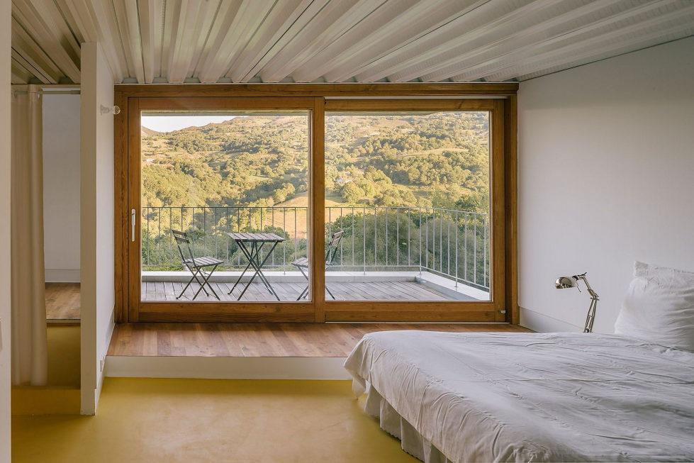 Casa Tmolo A Small Residency In Spain From PYO Arquitectos 15