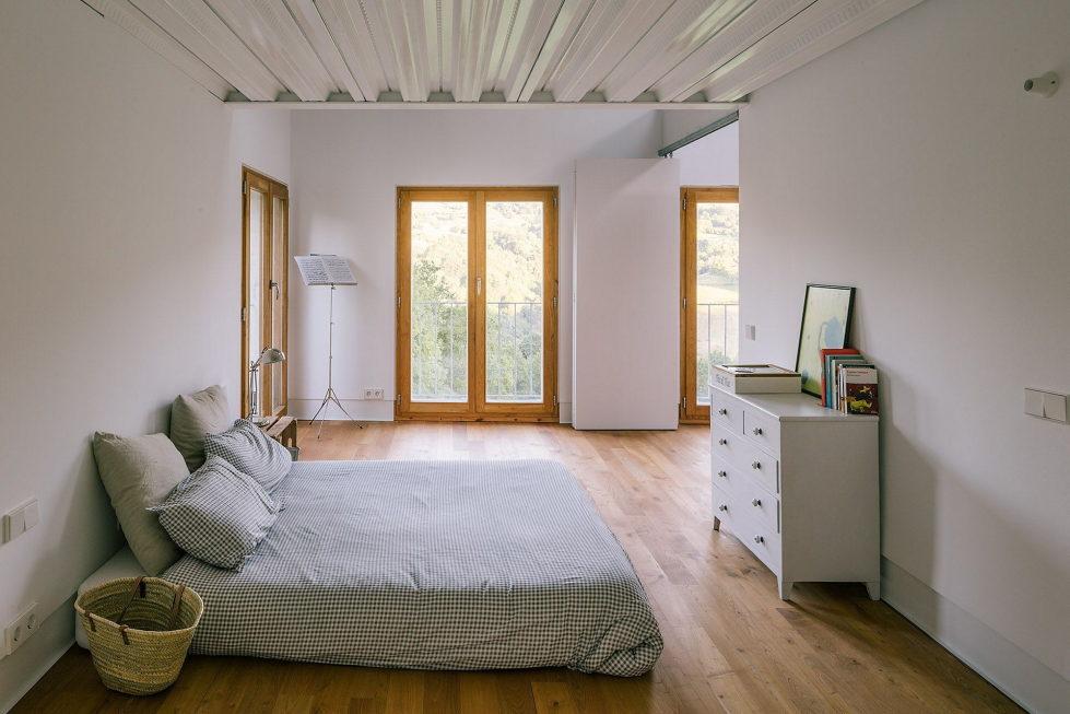 Casa Tmolo A Small Residency In Spain From PYO Arquitectos 16