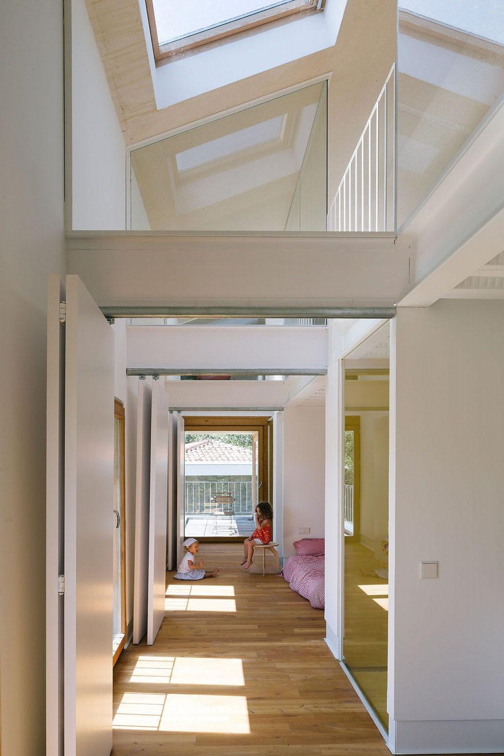Casa Tmolo A Small Residency In Spain From PYO Arquitectos 17