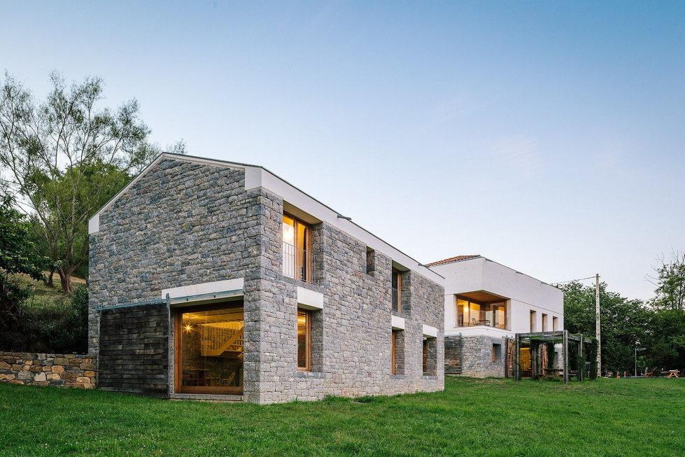 Casa Tmolo A Small Residency In Spain From PYO Arquitectos 2