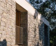 Casa Tmolo: A Small Residency In Spain From PYO Arquitectos