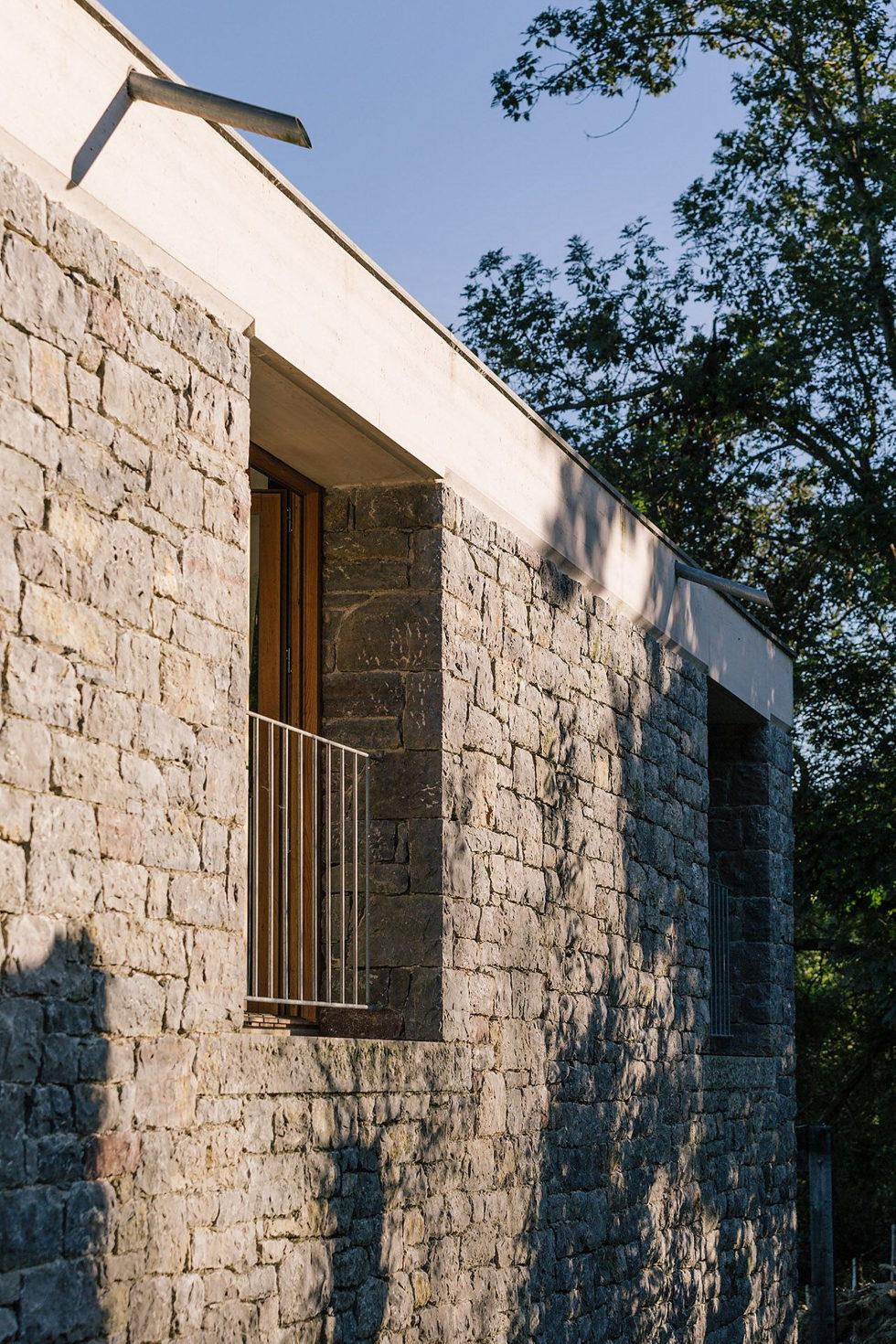 Casa Tmolo A Small Residency In Spain From PYO Arquitectos 5