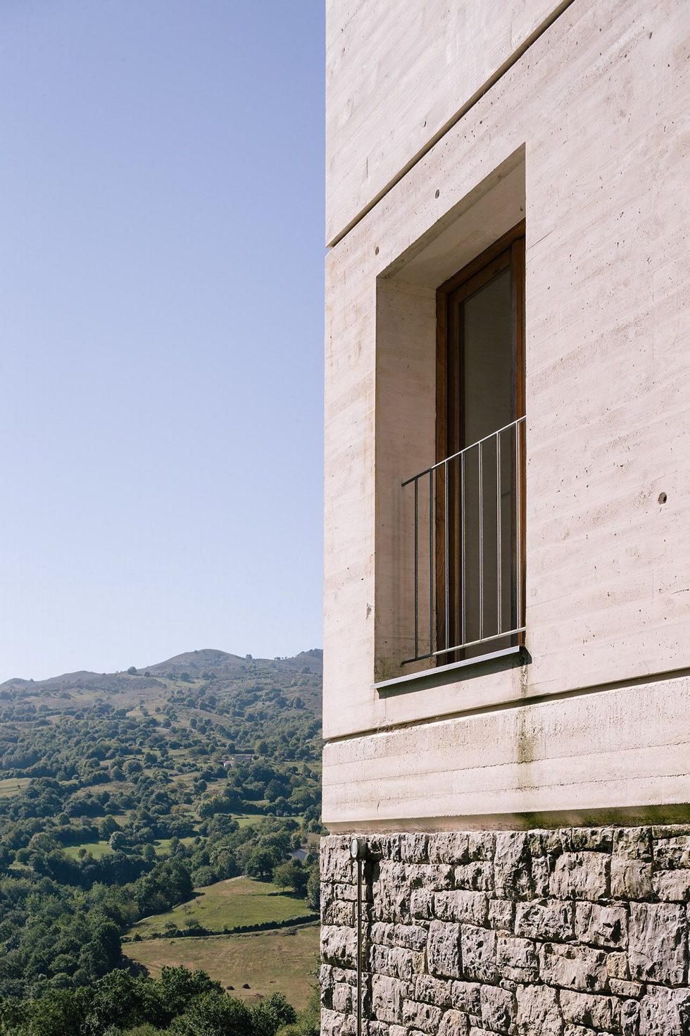 Casa Tmolo A Small Residency In Spain From PYO Arquitectos 6