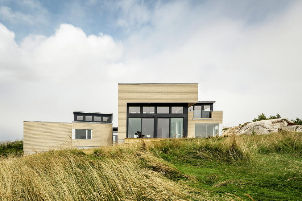 Float House In Halifax Upon The Project Of  Omar Gandhi Architect 3