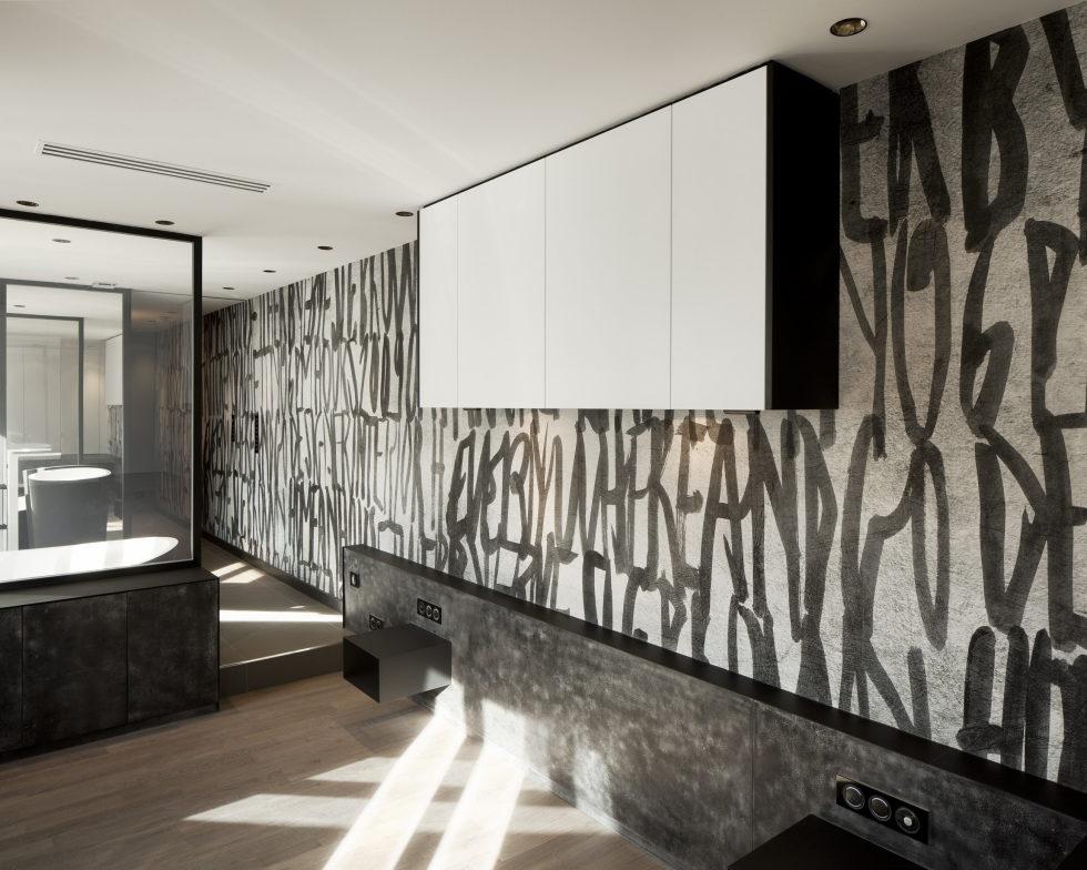 Luxury attic apartment in Paris from the MYSPACEPLANNER bureau 17