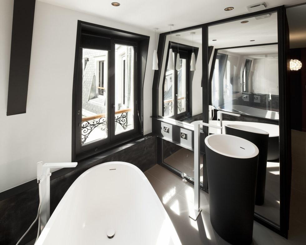 Luxury attic apartment in Paris from the MYSPACEPLANNER bureau 19