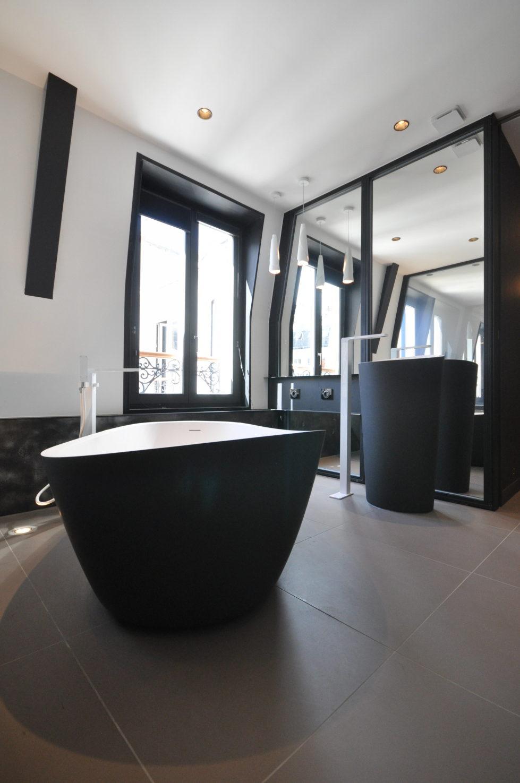 Luxury attic apartment in Paris from the MYSPACEPLANNER bureau 20