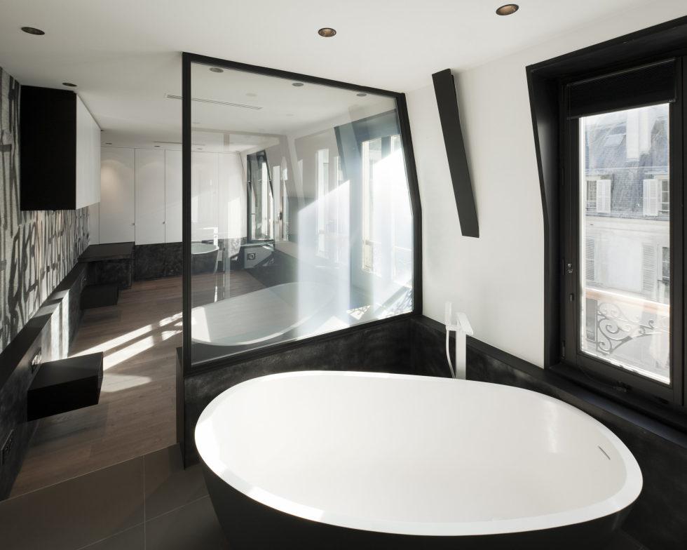 Luxury attic apartment in Paris from the MYSPACEPLANNER bureau 28