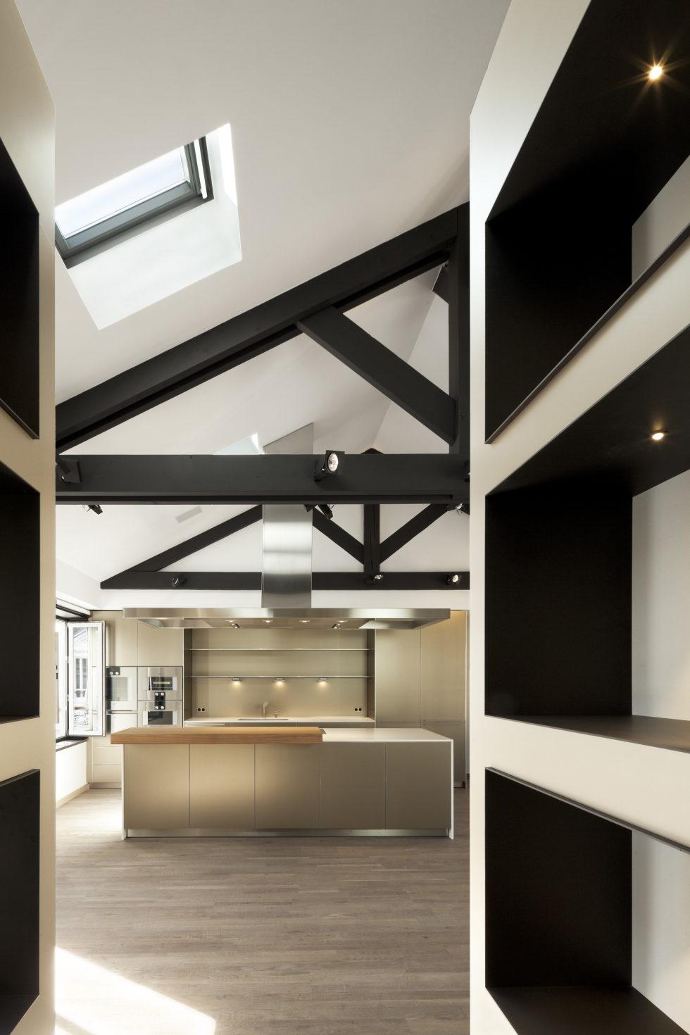 Luxury attic apartment in Paris from the MYSPACEPLANNER bureau 3