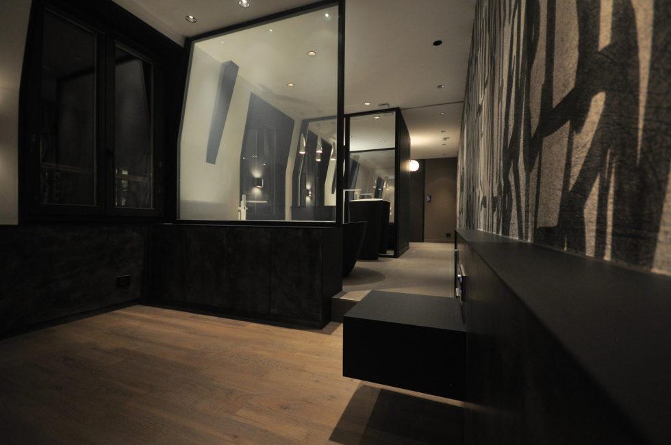 Luxury attic apartment in Paris from the MYSPACEPLANNER bureau 4
