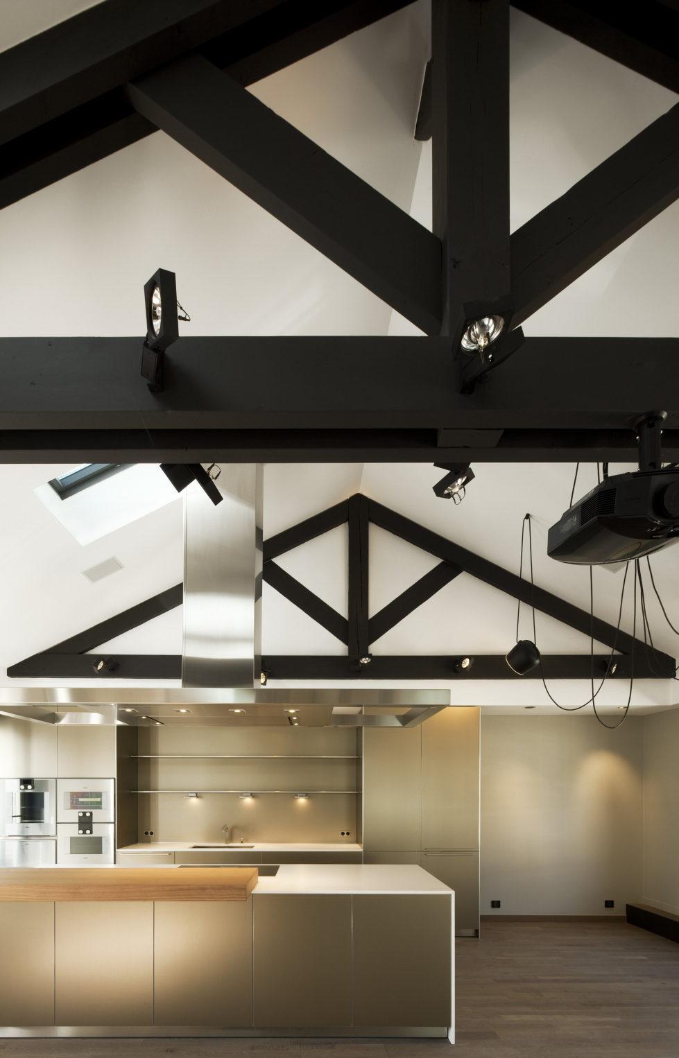 Luxury attic apartment in Paris from the MYSPACEPLANNER bureau 5