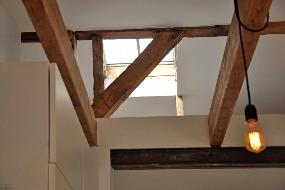 Modern Apartment Instead Of Attic Premises In Paris From Atelier DCCP Architectes 20