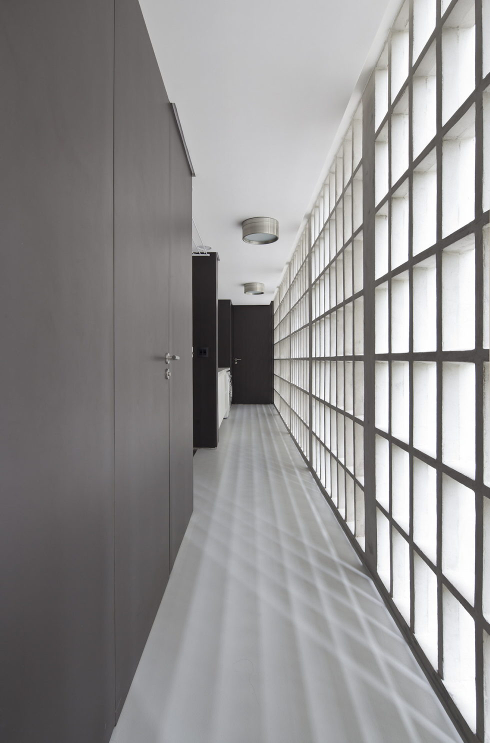 Modernization Of Apartments In Sao Paulo Upon The Project Of Couto Arquitetura Bureau 21