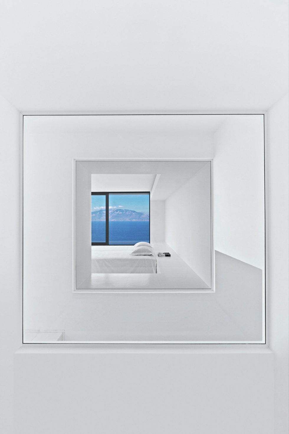 Silver House In Greece Upon The Project Of Dwek Architects Studio 15