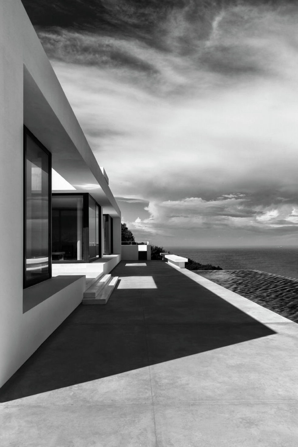 Silver House In Greece Upon The Project Of Dwek Architects Studio 17